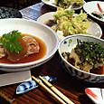 煮魚、山菜の天ぷら